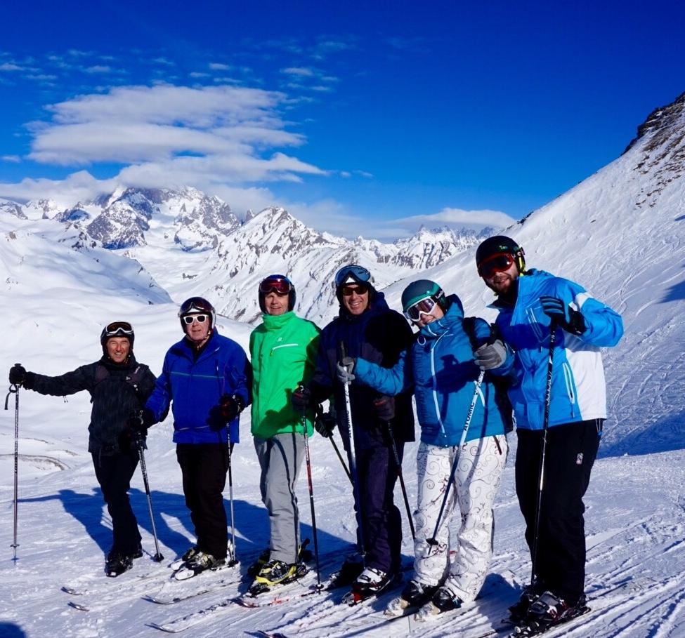 Au sommet du télésiège Piccolo San Bernardo Express, un cadre somptueux face au Mont-Blanc.