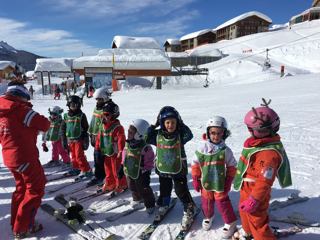 A l'Ecole de Ski Français, l'heure de la remise des médailles pour les petits champions.