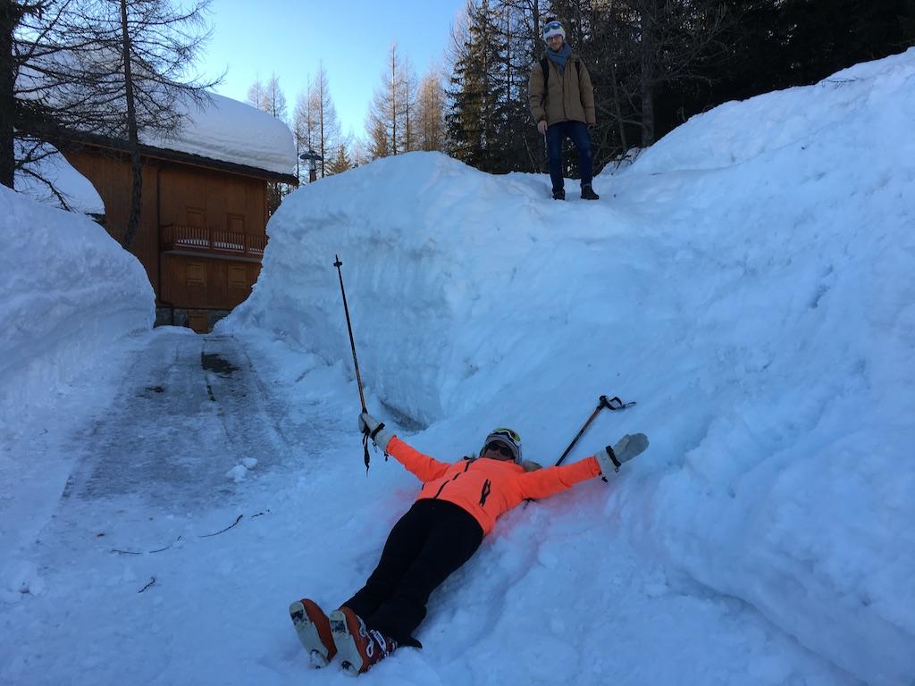Epuisée après une grosse journée de ski