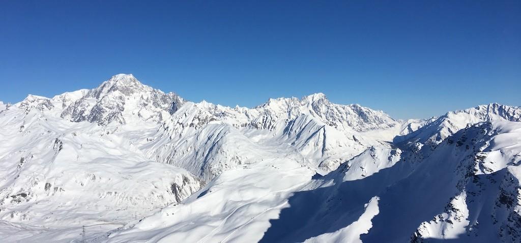 Une vue époustouflante sur la chaine du Mont-Blanc